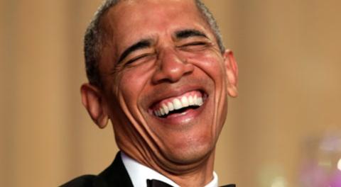 Obama si fa beccare di nuovo senza la fede al dito