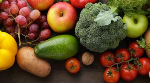 Come togliere i pesticidi da frutta e verdura