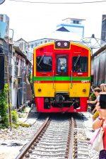 Railway Market: il mercato sulle ferrovie di Bangkok