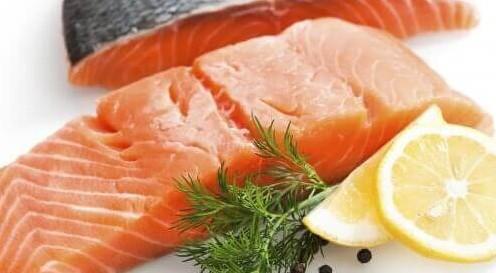Salmone affumicato con parassiti e non solo: gli ultimi richiami alimentari