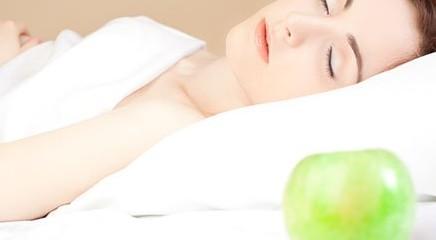 Dormire di più fa mangiare meglio
