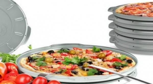 Un contenitore per la pizza da asporto riutilizzabile