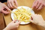 Ecco perché il nostro cervello desidera ardentemente le patatine fritte