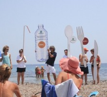 #Usaegettanograzie, la nuova campagna per contrastare l'inquinamento da plastica