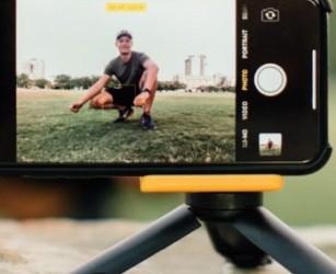 Adonit Photogrip: il kit scatta e disegna con lo smartphone e la giusta impugnatura