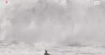 Portogallo, surfista travolto dalle onde giganti: il salvataggio è estremo