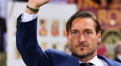 Francesco Totti lascia il suo ruolo di dirigente alla Roma