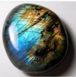 La magia delle pietre – LABRADORITE