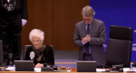 "Segre al Parlamento europeo: ""Volate sopra i fili spinati"". Ed è standing ovation