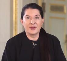 """Coronavirus, l'omaggio di Marina Abramovic: """"Italia, ti amo""""   VIDEO"""