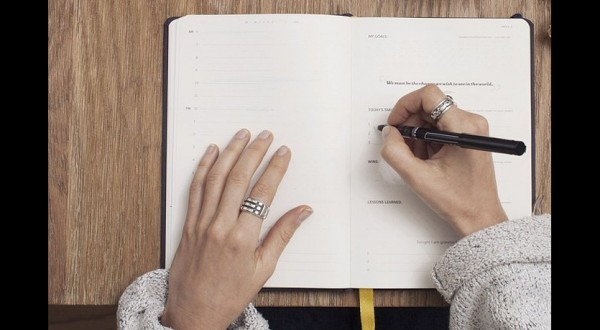 """Lo psicologo: """"Scrivete storie per gestire emozioni"""""""