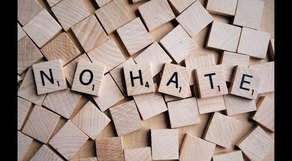 Chi odia paga, ecco piattaforma contro gli haters
