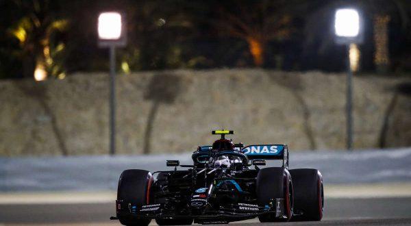 Bottas in pole nel Gp di Sakhir, seconda fila per Leclerc