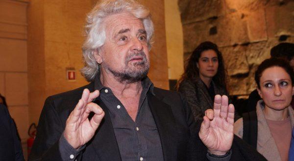 """Governo, l'appello di Grillo """"Nessuno si sottragga alla responsabilità"""""""