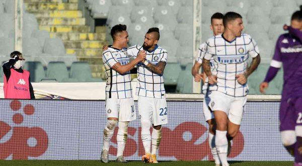 L'Inter elimina la Fiorentina, derby col Milan in Coppa Italia