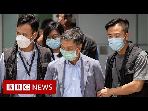 Hong Kong sends 500 officers in pro-democracy paper raid – BBC News