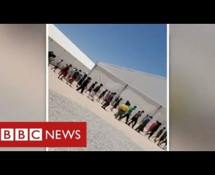 Thousands of migrant children detained in Texas in appalling conditions - BBC News